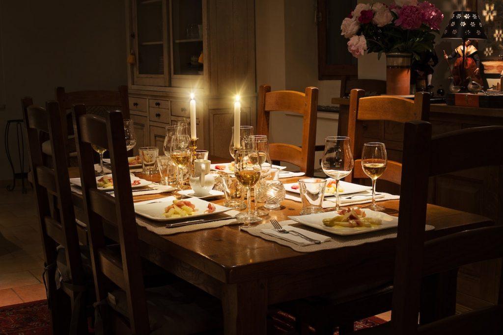 Gedekte tafel avondmaal